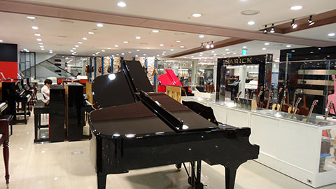 DSC03422_480x270-YongSan-iPark-Mall-Samick-Piano-Store-Korea-Tech-BLog
