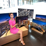 Affordable Curved-Screen UDH TV SamSung H6800
